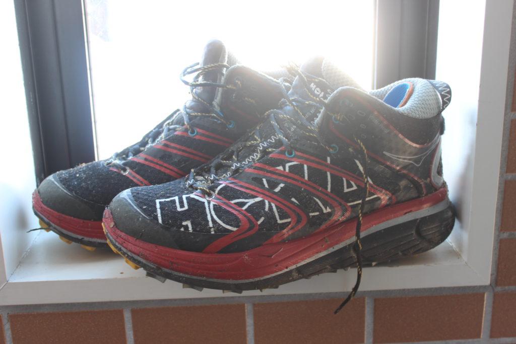 ホカオネオネ 登山靴 HOKAONEONE