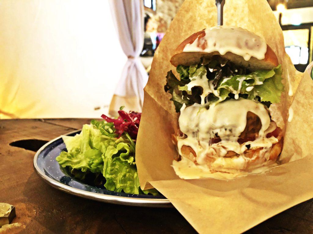 TREEツリー【三条カフェ】ハンバーガー
