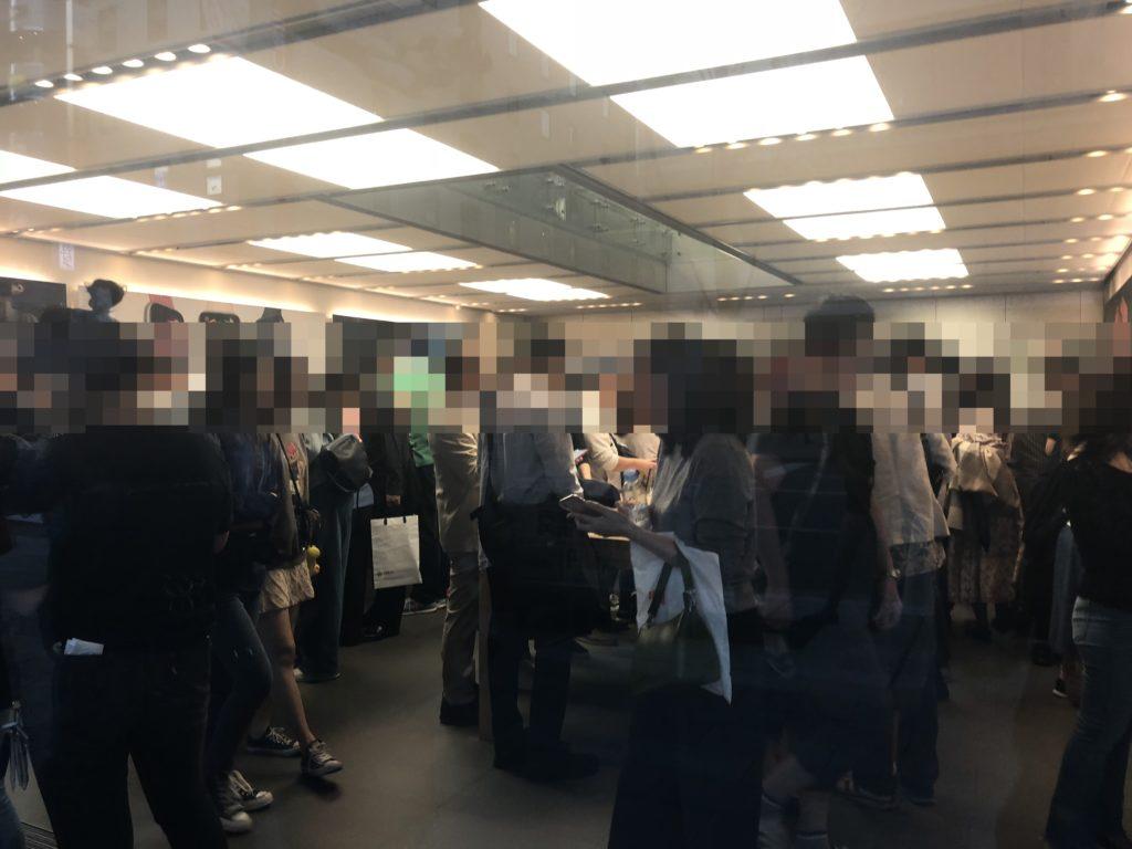 Apple store銀座 混み具合
