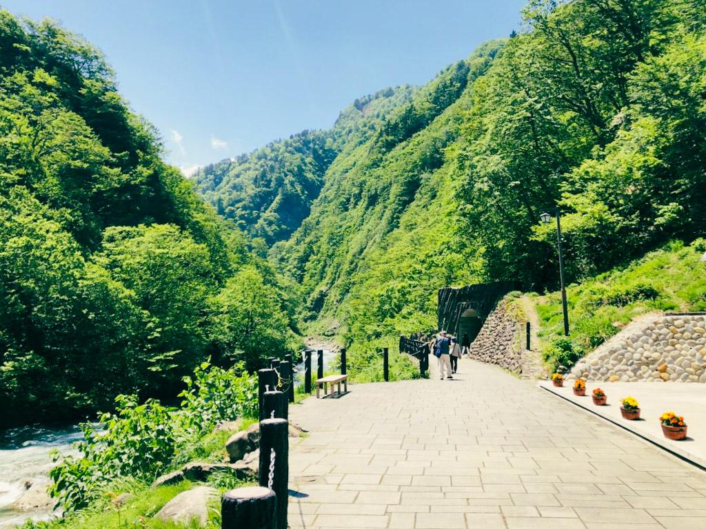 清津峡渓谷トンネル 徒歩