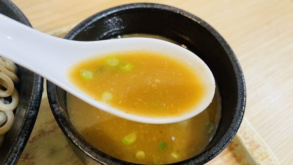 鶏白湯魚介つけそば スープ