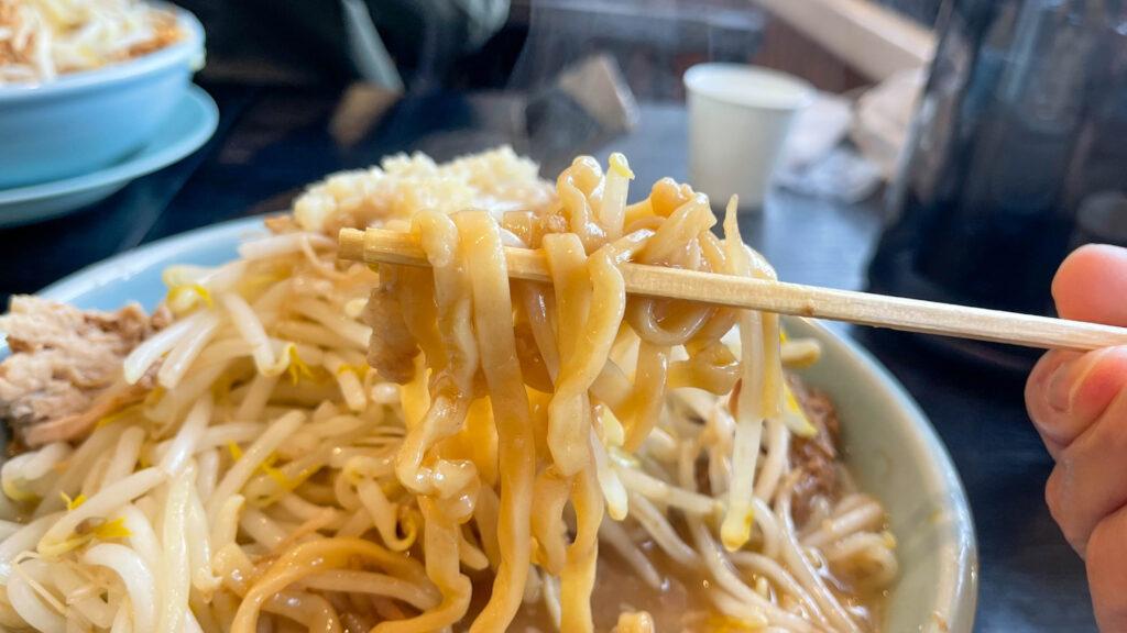 ラーメン弐豚(にとん) 麺