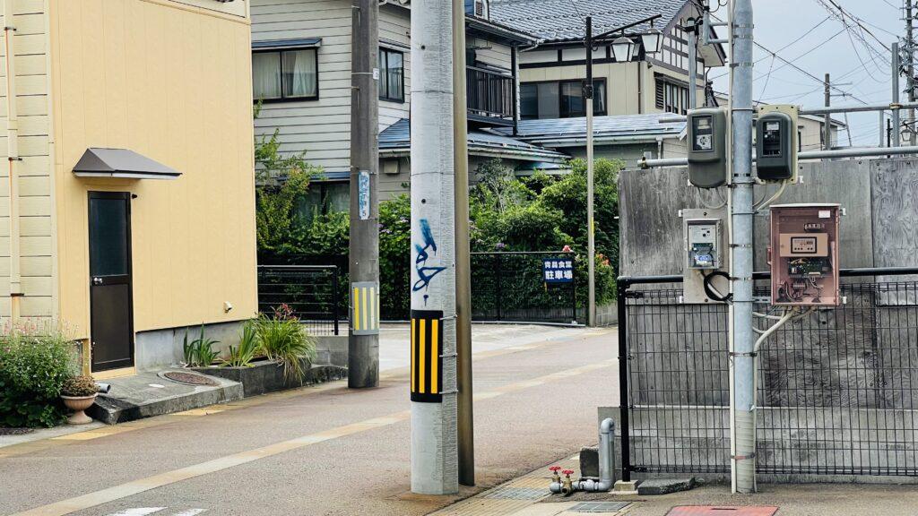 青島食堂 駐車場